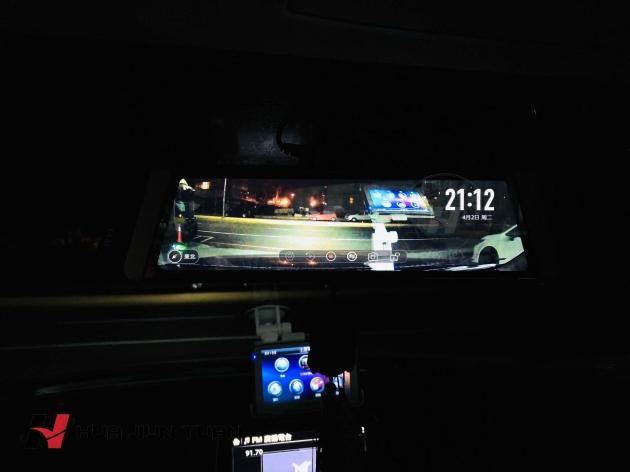 智能雙鏡頭行車紀錄器 4